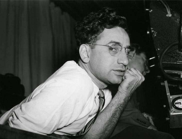 Elia Kazan (Productor de teatro, guionista, escritor y ganador de un Premio de la Academia)